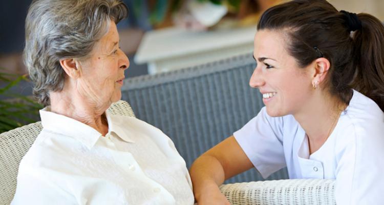 Como montar uma agência de cuidadores de idosos